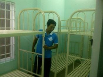 Lắp ráp giường 2 tầng sắt tại CAP 11