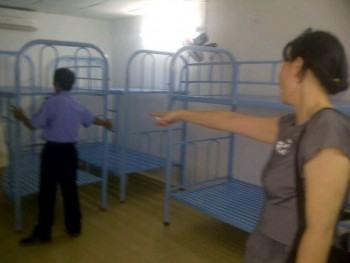 Giao giường 2 tầng sắt tại Công Ty Vận Tải Việt Nhật