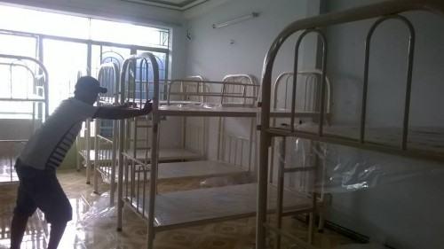 Giường sắt 2 tầng tại công trình nhà trọ cao cấp