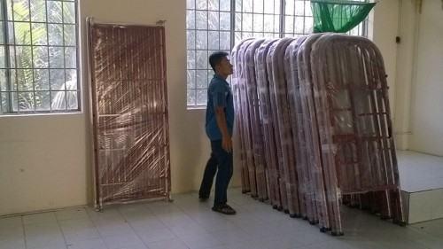 Nội Thất Tứ Hưng giao giuong 2 tang bang sat cho kí túc xá